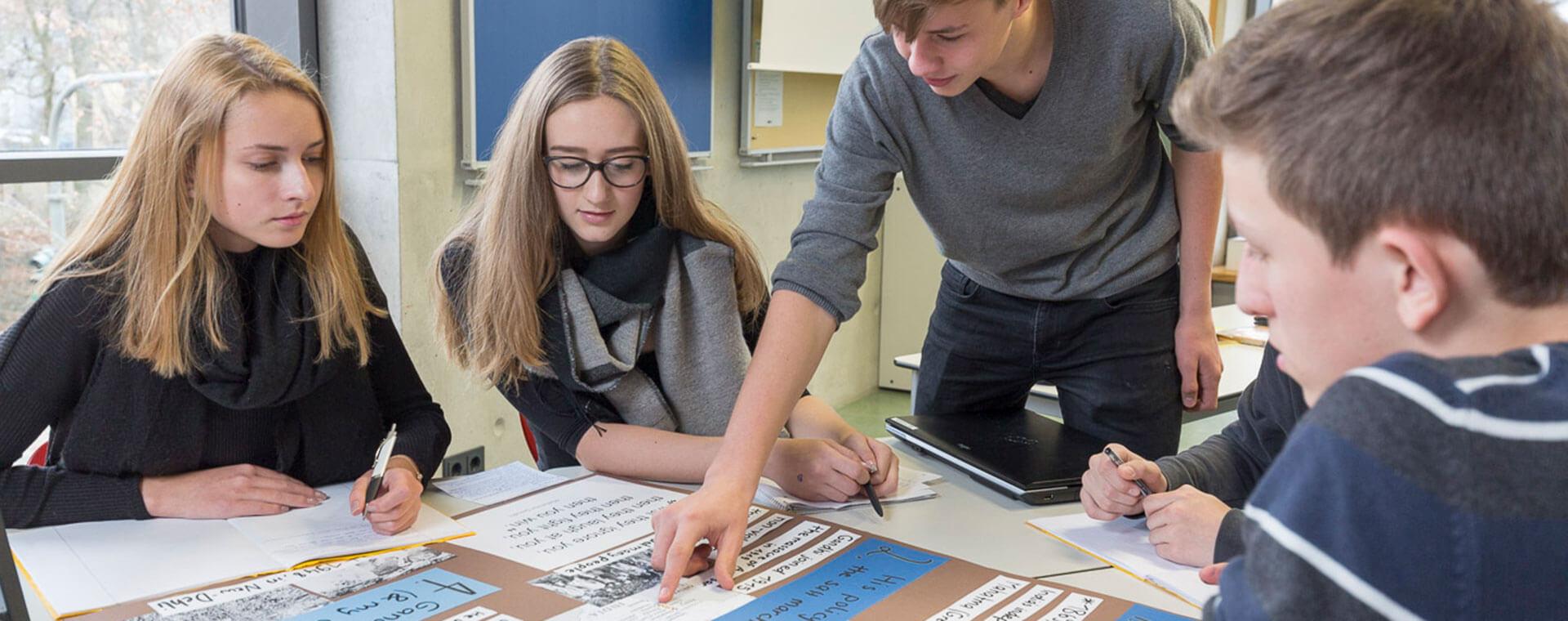 Montessorie Erlangen - Gruppenarbeit